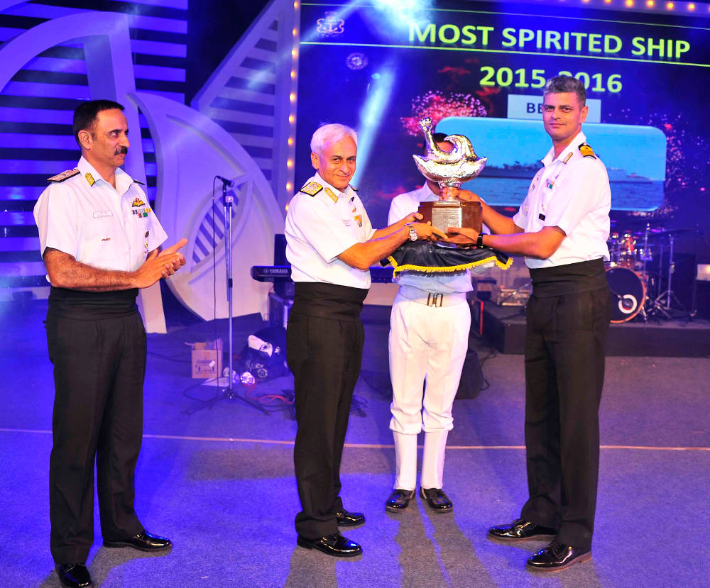 "INS Betwa's commander Captain KM Ramakrishnan receiving the Western Fleet's ""Most Spirited Ship"" trophy, on April 9, 2016. (Photo: Indian Navy)"